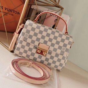 Louis Vuitton pochette Métis azur bag